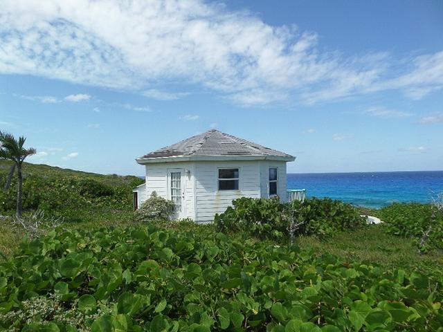 独户住宅 为 销售 在 Ocean front cottage, Petty's Pettys, 长岛 巴哈马