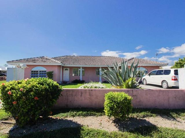 Casa Multifamiliar por un Venta en 16 Glencoe Drive Bahamia, Gran Bahama Freeport Bahamas