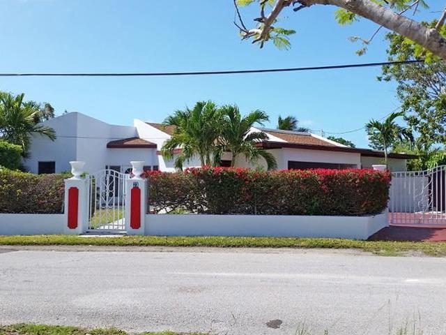 独户住宅 为 销售 在 Imperial Park Home, 23 Silver Palm Blvd. Sea Breeze, 新普罗维登斯/拿骚 巴哈马