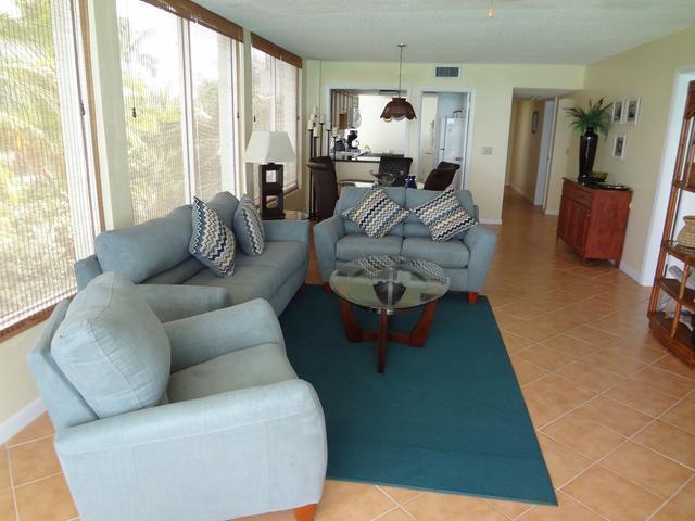 Condominio por un Alquiler en Vista Bella Condo, Cable Beach Cable Beach, Nueva Providencia / Nassau Bahamas