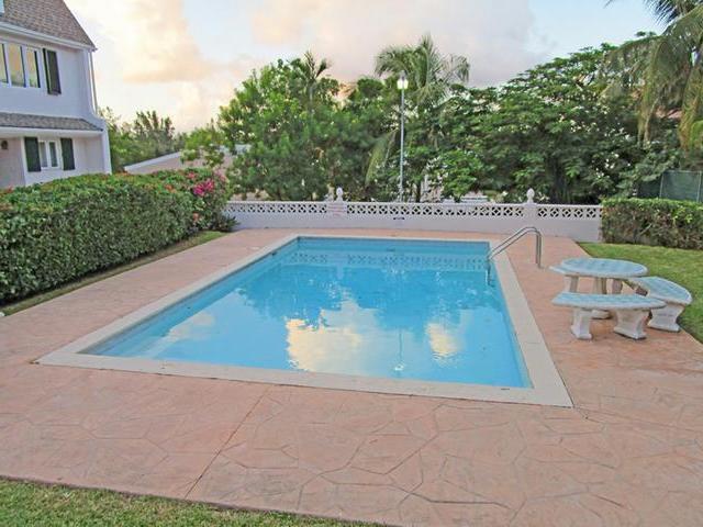 Condominio por un Alquiler en Bay View House, Bay View Drive Bay View Drive, Paradise Island, Nueva Providencia / Nassau Bahamas