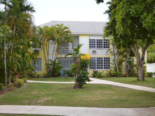 Condominio por un Alquiler en Condo, West Bay Street Cable Beach, Nueva Providencia / Nassau Bahamas
