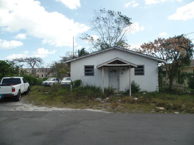 Casa Multifamiliar por un Venta en Soldier Road Duplex, Soldier Road Soldier Road, Nueva Providencia / Nassau Bahamas
