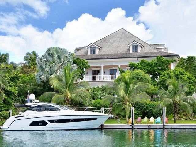 Casa Unifamiliar por un Venta en Deja Vu, Shamrock Road Lyford Cay, Nueva Providencia / Nassau Bahamas