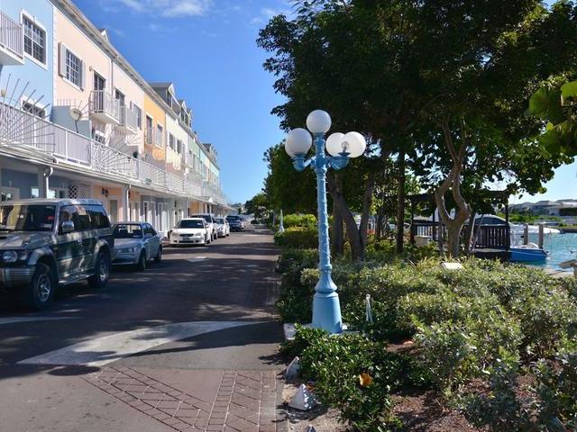 Comercial por un Alquiler en 6 South Buckner Square, Sandyport Cable Beach, Nueva Providencia / Nassau Bahamas