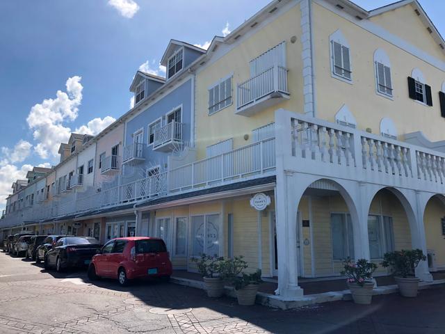 Comercial por un Alquiler en 15b & 16 North Buckner Square, Sandyport Cable Beach, Nueva Providencia / Nassau Bahamas