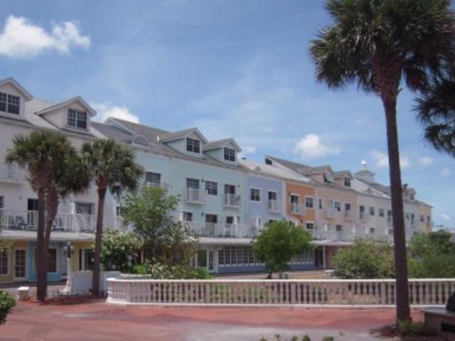 Comercial por un Alquiler en 10 North Buckner Square Cable Beach, Nueva Providencia / Nassau Bahamas