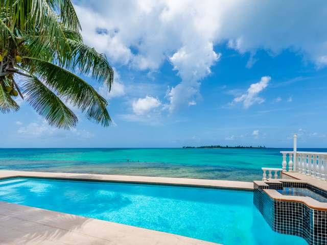 Casa Unifamiliar por un Venta en Seaview Beach House, West Bay Street West Bay Street, Nueva Providencia / Nassau Bahamas