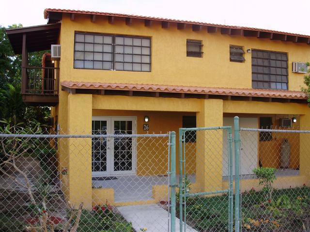 Casa Multifamiliar por un Alquiler en Westward Villas, West Bay St Cable Beach, Nueva Providencia / Nassau Bahamas