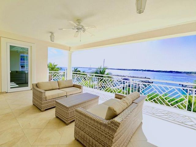 Condominio por un Alquiler en Ocean Club Estates Paradise Island, Nueva Providencia / Nassau Bahamas