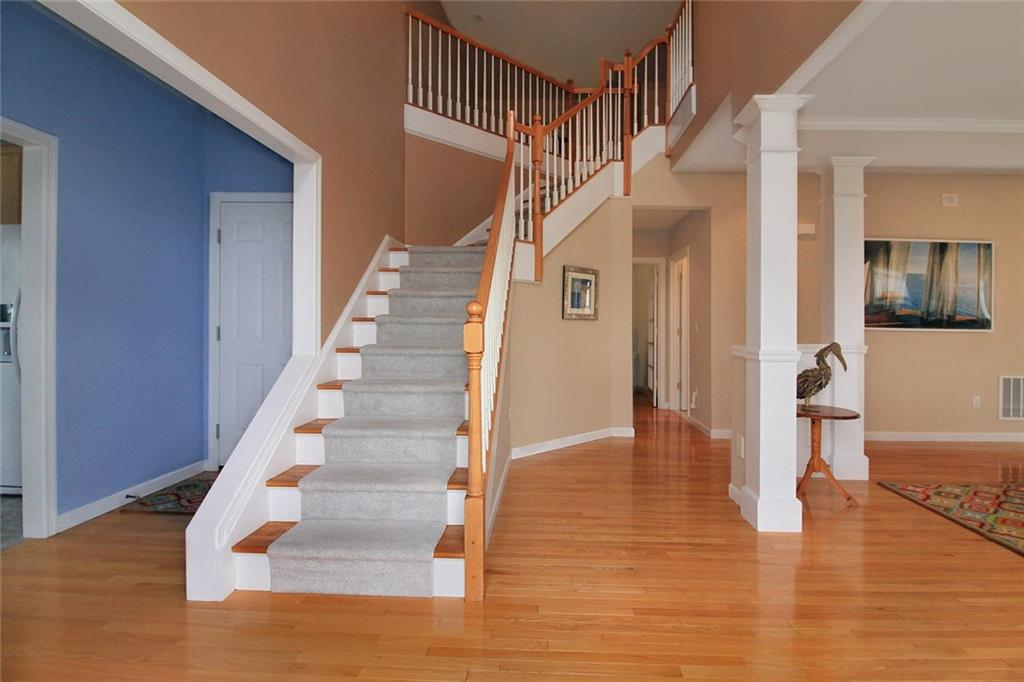Additional photo for property listing at 222 Rolling Hill Road Portsmouth, Rhode Island 02871 United States