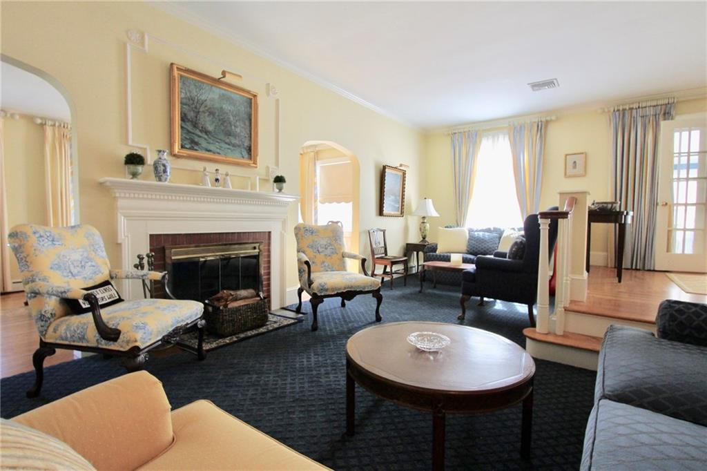 Additional photo for property listing at 66 Harrison Avenue Newport, Rhode Island 02840 United States